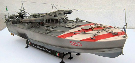Italeri M.A.S. 568 4a Serie with Crew