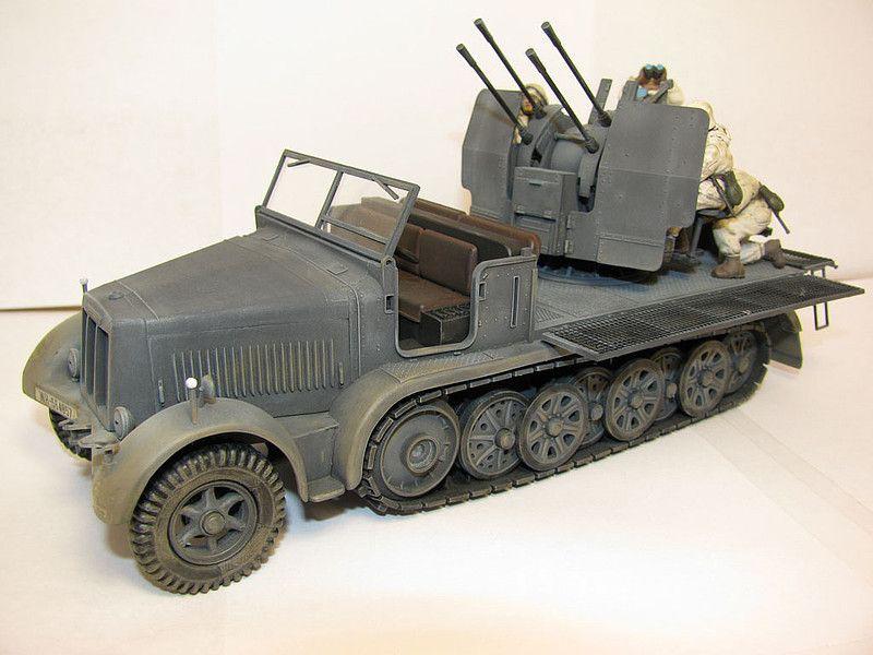Tamiya German 8-Ton Half-Track Sd.Kfz.7/1