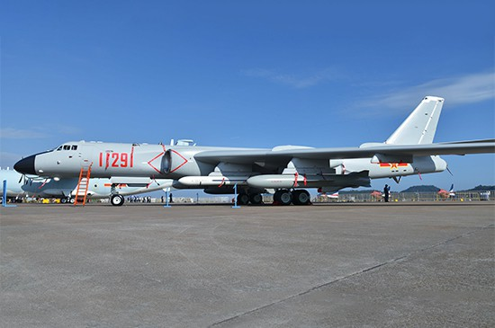 Trumpeter Xian H-6K Stratedgic Bomber