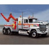 Italeri U.S. Wrecker Truck